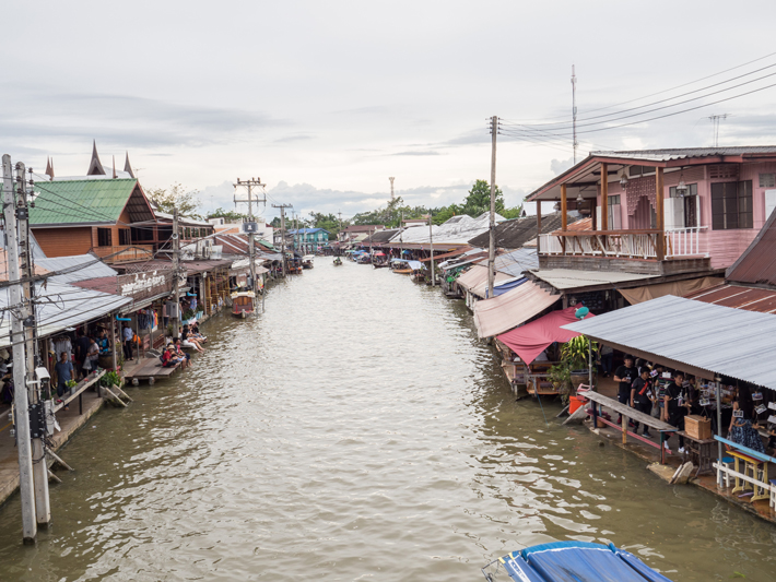 mae khlong river, Day trips from Bangkok -Amphawa Floating Market, Maeklong Railway Market, Ban Bang Phlap