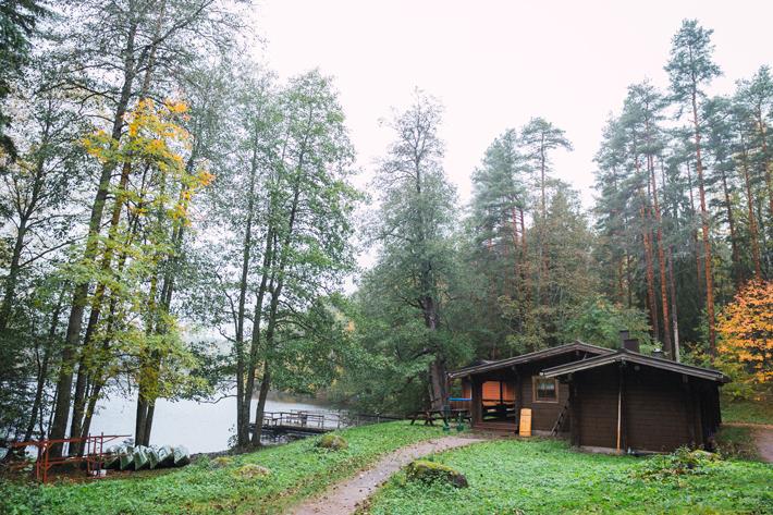 road to lake sauna, green window Nuuksio National Park