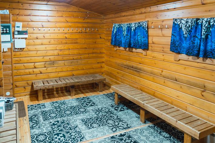 sauna changing room green window Nuuksio National Park
