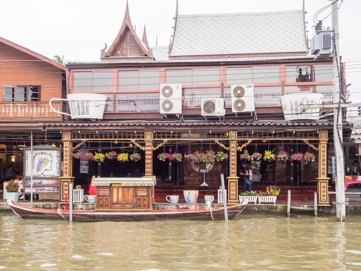 thai boat, Day trips from Bangkok -Amphawa Floating Market, Maeklong Railway Market, Ban Bang Phlap