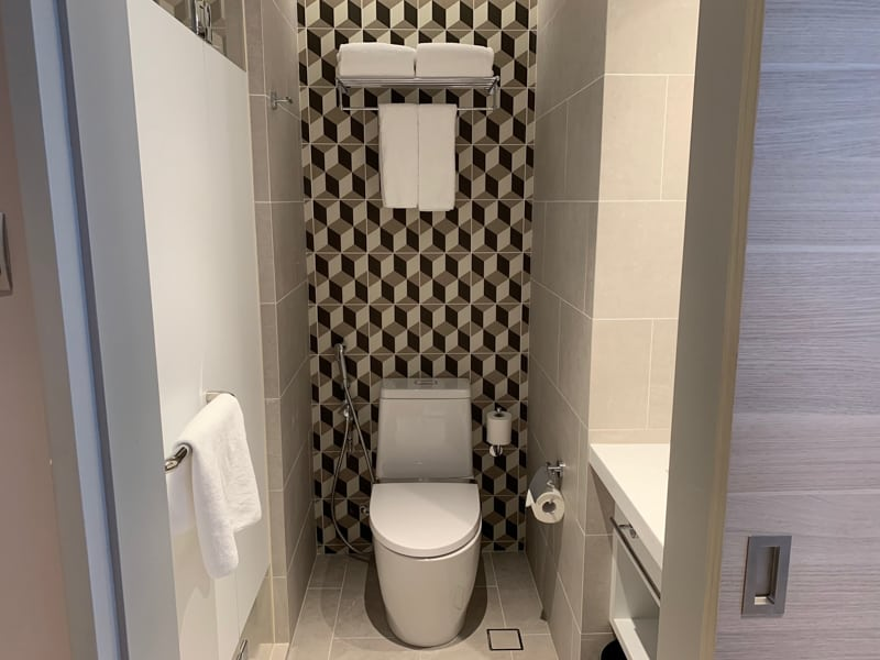 Toilet, Holiday Inn Express Singapore Serangoon