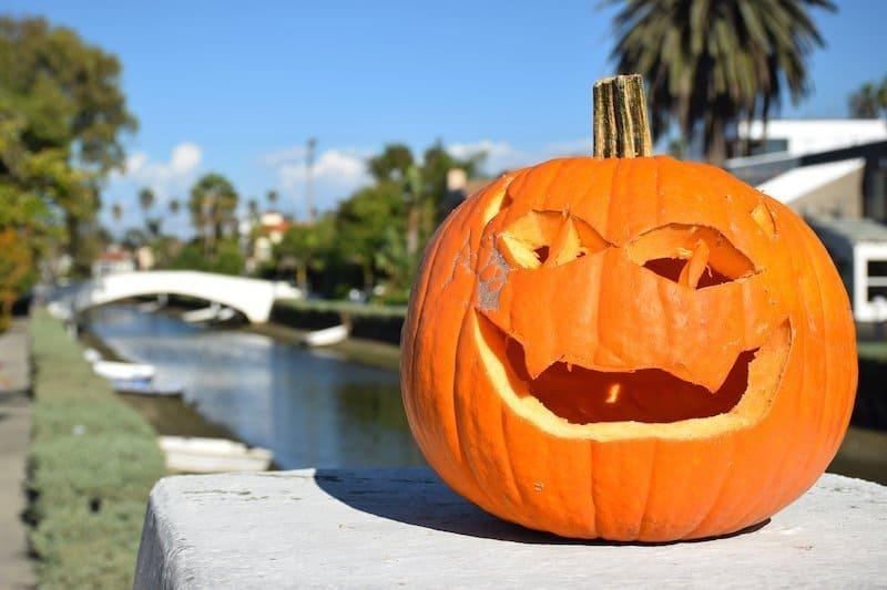 Spookiest Sites To Visit in Los Angeles this Halloween