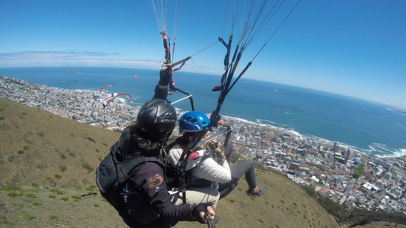 paragliding-cape-town-south-africa-signal-hill-camps-bay