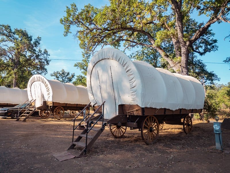 wagon-yosemite-pines-Where-to-stay-near-Yosemite-National-Parkthings-to-do-around-Yosemite-National-Park-Tuolumne-California