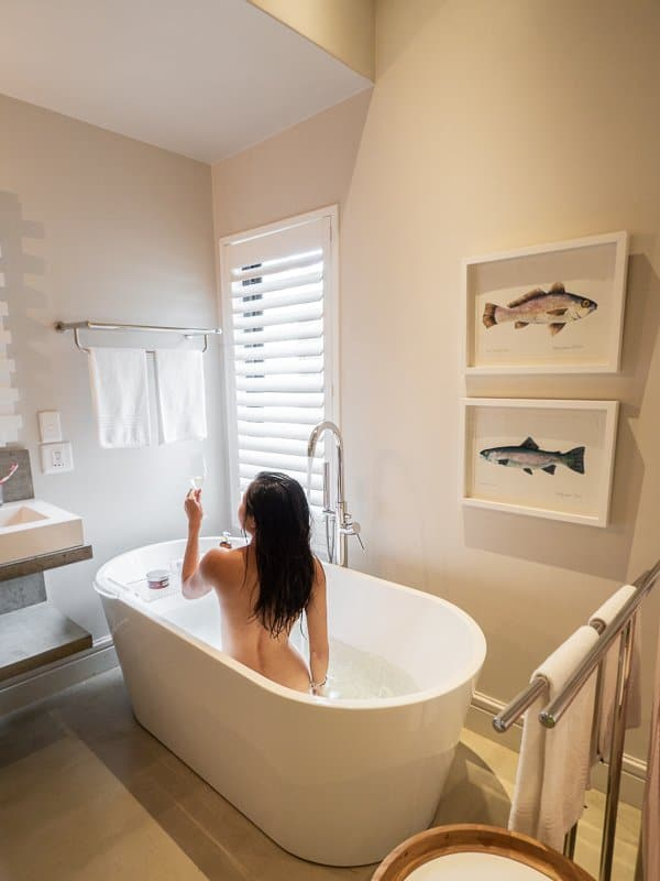 Old-Rectory-Hotel-bathroom-bathtub-with-a-view-Plettenberg-Bay-South-Africa
