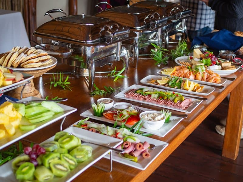 buffet lunch brunch, Thanda-Safari-South-Africa