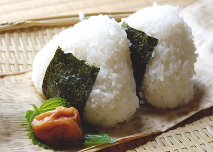 onigiri, Must eat in Tokyo, best food in Tokyo, Japan