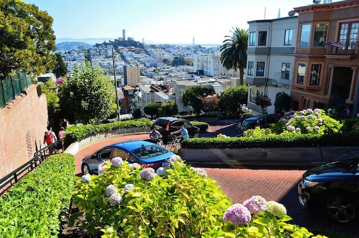 Lombard Street and view to the city, strange things to do in san francisco