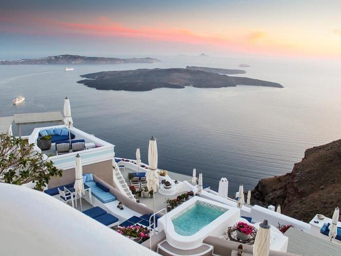 Imerovigli, where to stay in santorini, best neighbourhood in santorini, greece